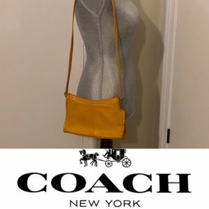 Authentic Vintage Coach Leather Crossbody EUC